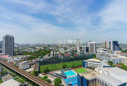 2 bedroom delux condo for sale close to Ekkamai BTS station