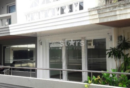 5-storey home office for rent on Ekamai
