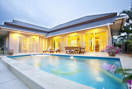 Nice 3 bedroom pool villa for sale in Nong Kae, Hua Hin