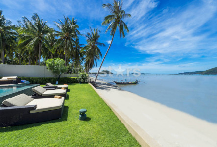 Unique beachfront villa for sale