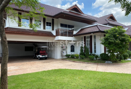 House in compound with private swimming pool 6 bedrooms for rent in Onnut Pattanakan