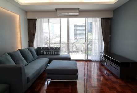 Newly renovated 3 bedrooms condo for rent near BTS Phromphong