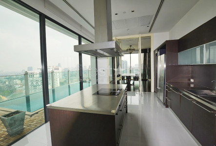 3 bedroom spacious private pool condo for sale on Phrom Phong