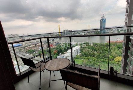 Luxury 2 bedrooms condominium for sale on riverside