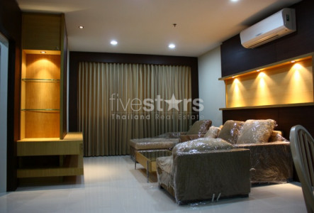 2 bedroom condo for rent on Sathorn