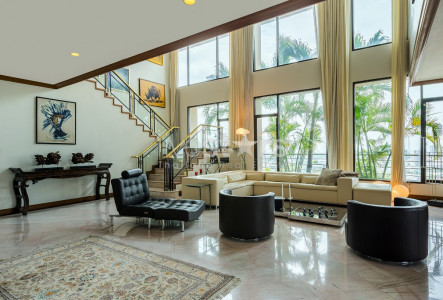 4 bedroom duplex for rent on Sathorn