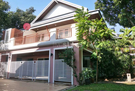 4 bedrooms house with garden and swimming pool in Ekamai area