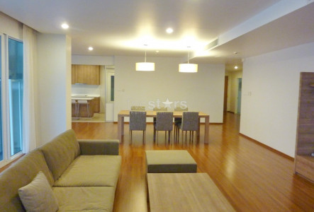 4-bedroom spacious apartment in the Thonglor area
